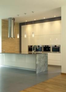 Id es de d co pour une cuisine moderne travaux cuisine for Separation de cuisine sejour